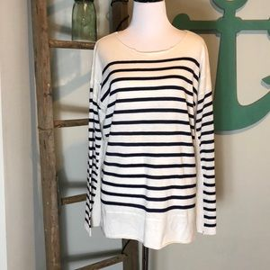Fate light weight white/navy blue stripped sweater